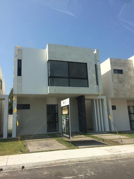 Foto Casa en Venta en  Alvarado ,  Veracruz  Fracc. La Rioja, Alvarado, Ver. - Casa en venta