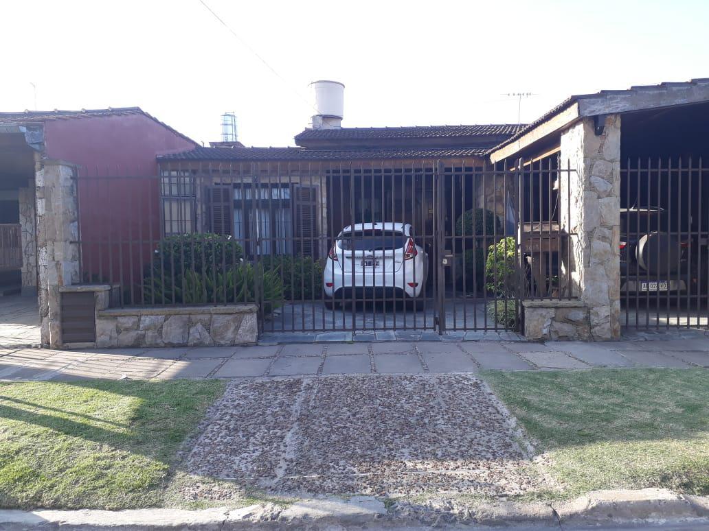 Foto Casa en Venta en  Los Polvorines,  Malvinas Argentinas  Rivadavia al 3000