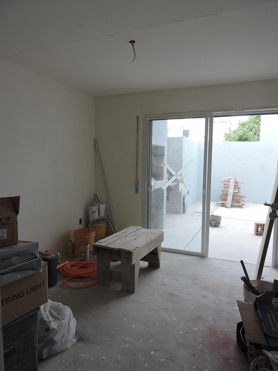 Foto Apartamento en Alquiler en  La Comercial ,  Montevideo  Br Artigas y Hocquart - 2 dorm con Parrillero - Tres Cruces