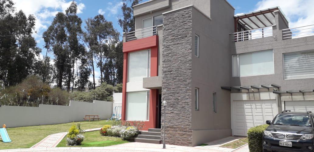 Foto Casa en Venta en  Cumbayá,  Quito  San Juan Alto, Cumbaya