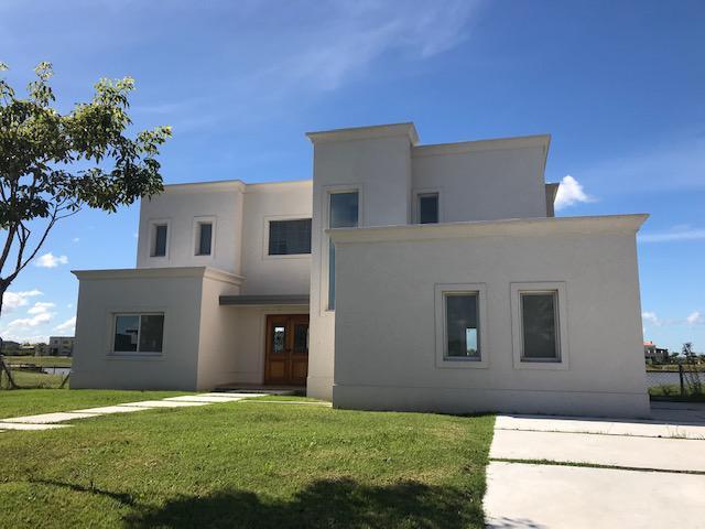 Foto Casa en Venta    en  Ceibos,  Puertos del Lago  Los ceibos al 200