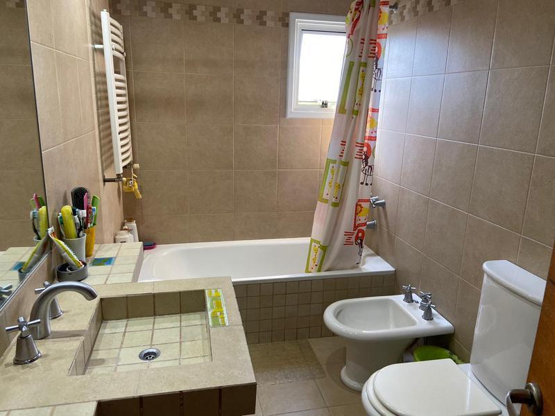 Foto Casa en Venta en  Temperley Este,  Temperley  GONZALEZ CHAVEZ 1022