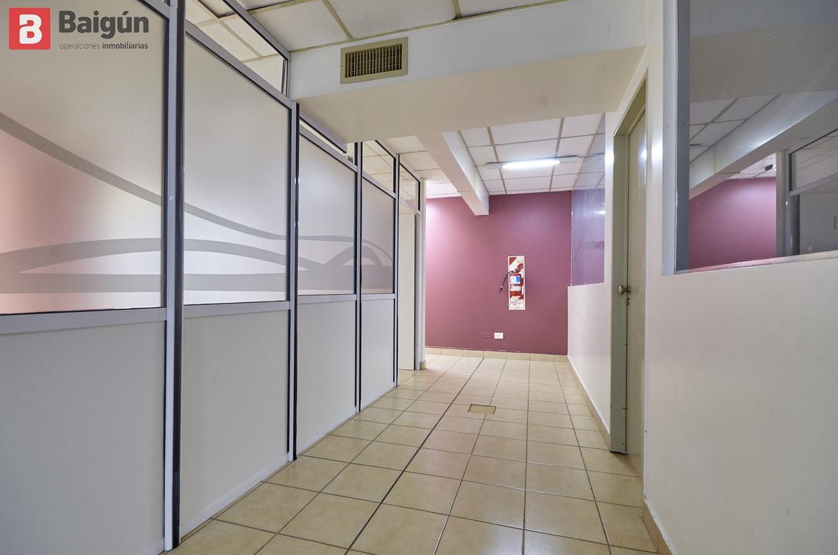 Foto Oficina en Alquiler en  Recoleta ,  Capital Federal  Av. Santa Fe y Ayacucho