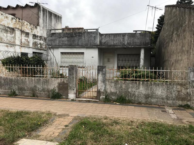 Foto Casa en Venta en  Remedios De Escalada,  Lanus  SUIPACHA 3243  e. Aguilar y Achaval