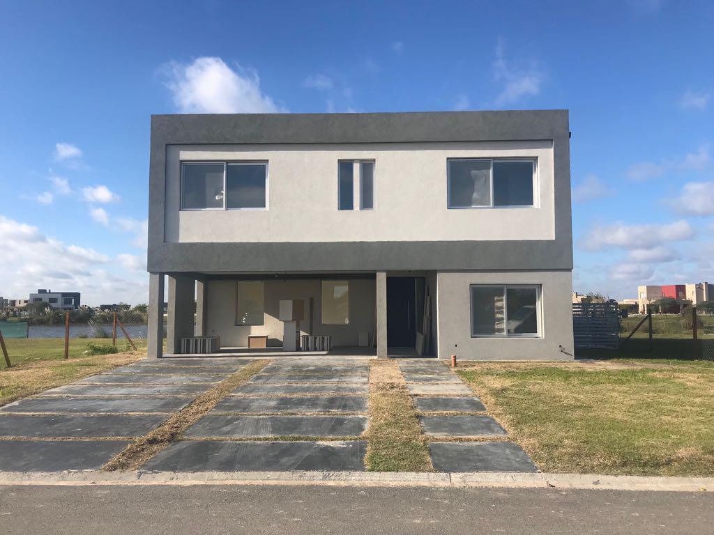 Foto Casa en Venta |  en  El Canton,  Countries/B.Cerrado  Lote 100