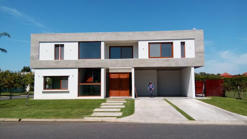 Foto Casa en Venta en  Windbells,  San Fernando  Windbells - Rene Favaloro al 3300