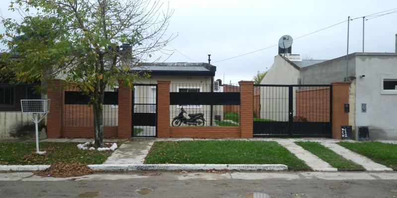 Foto Casa en Alquiler en  Yerba Buena ,  Tucumán  Barrio Apunt