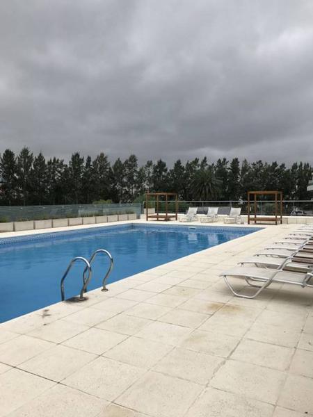 Foto Departamento en Alquiler   Alquiler temporario en  Nordelta Vista Bahía,  Tigre  Excelente 3 ambientes al Río con Renta 1