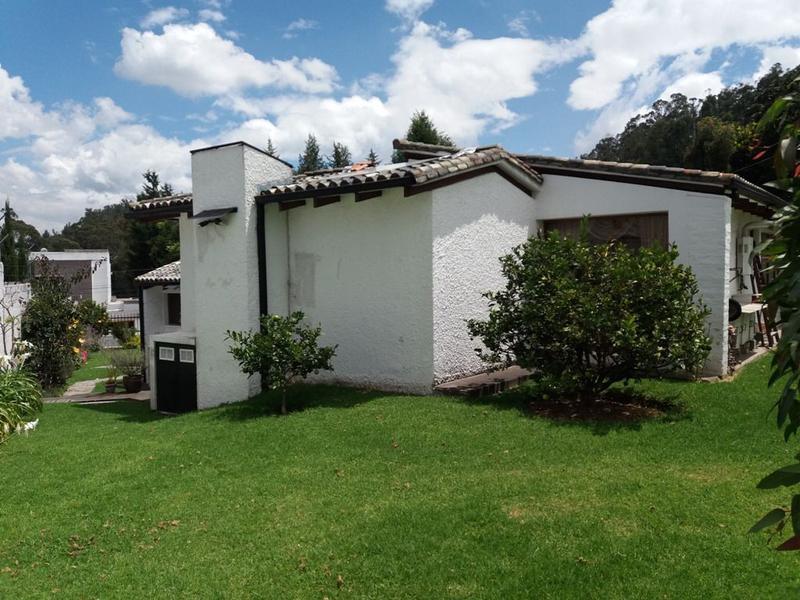 Foto Casa en Venta en  Los Chillos,  Quito  Club Los Chillos, casa independiente, remodelada, estilo rústico