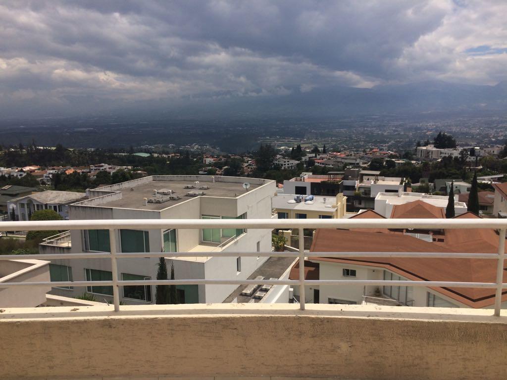 Foto Departamento en Alquiler | Alquiler en  San Isidro - Vista Grande,  Quito  Vista Grande