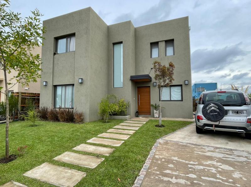 Foto Casa en Alquiler en  Villanueva,  Countries/B.Cerrado (Tigre)  Boulevard de todos los santos 4380