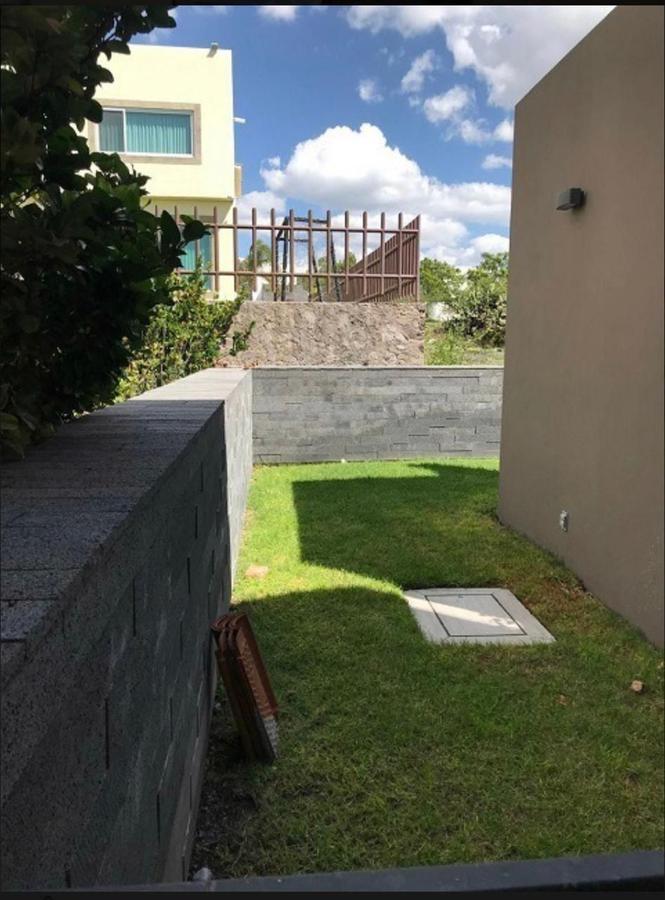 Foto Casa en Venta en  Fraccionamiento El Campanario,  Querétaro  VENTA CASA PARA INVERSIONISTA EN EL CAMPANARIO CLUB DE GOLF QRO. MEX.