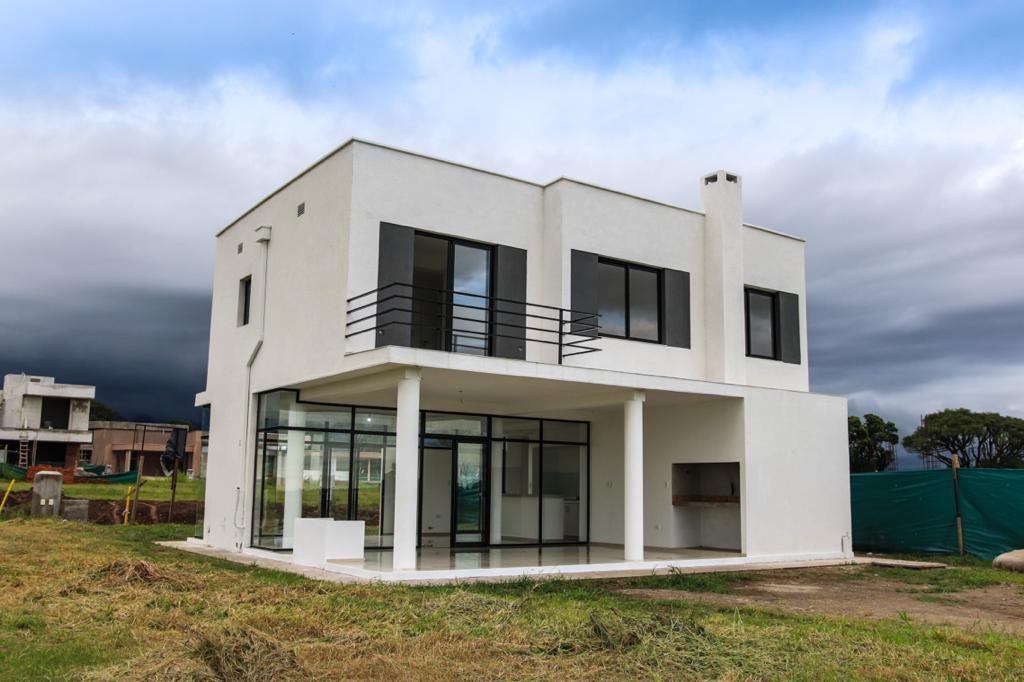 Foto Casa en Venta en  Yerba Buena,  Yerba Buena  COUNTRY THE POINT