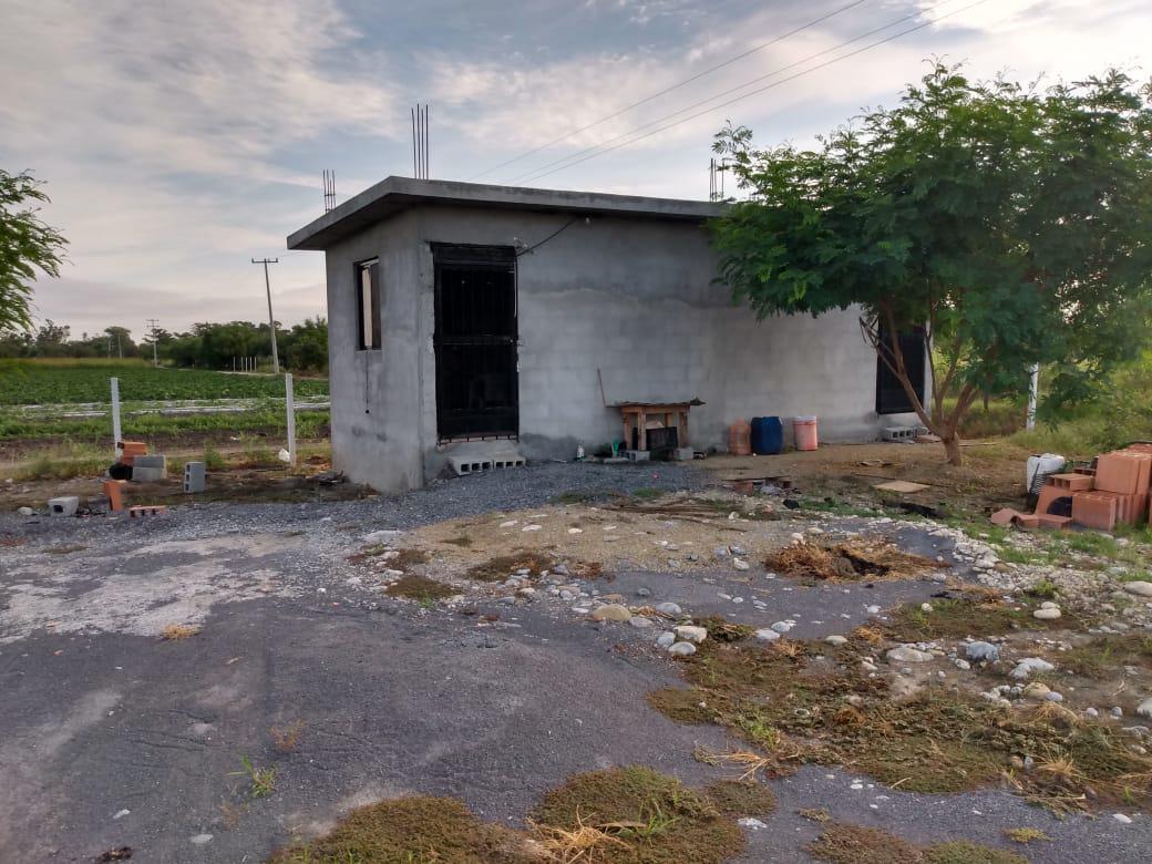 Foto Bodega Industrial en Venta en  Santa Efigenia,  Cadereyta Jiménez  Hacienda Santa Efigenia