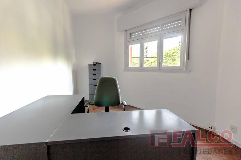 Foto Oficina en Alquiler en  Flores ,  Capital Federal  Donato Alvarez al 700