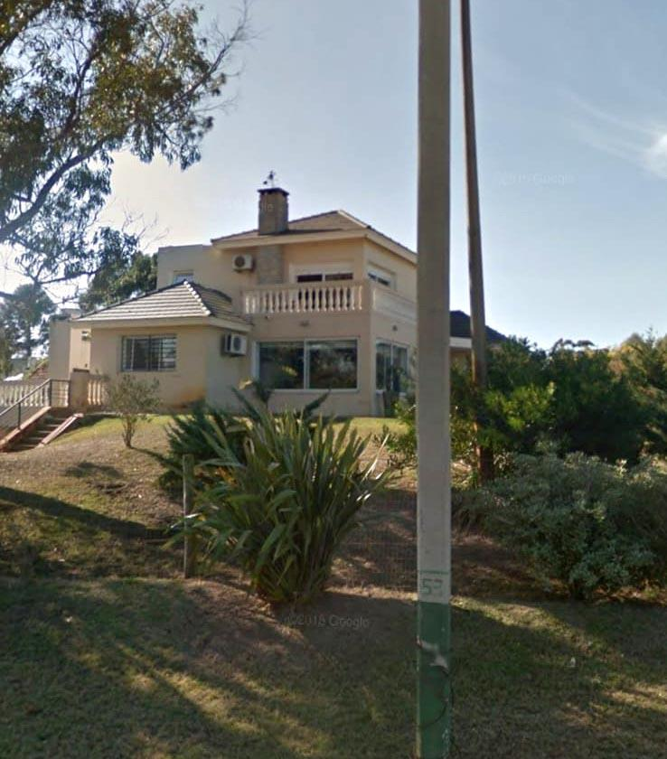 Foto Casa en Venta en  El Pinar ,  Canelones  Sta María esquina rambla República Argentina