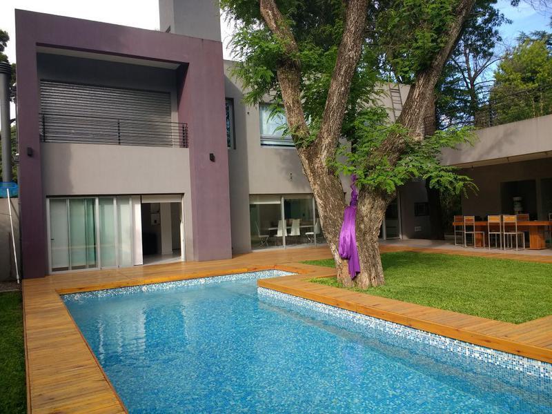 Foto Casa en Venta en  Barrio Parque Leloir,  Ituzaingo  Carlos Reyles al 3000