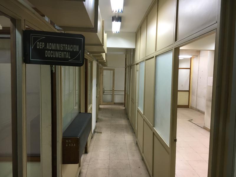 Foto Local en Venta | Alquiler en  Centro (Montevideo),  Montevideo  LOCAL COMERCIAL sobre importante avenida