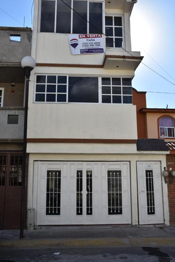 Foto Casa en Venta en  Los Sauces IV,  Los Sauces I  Hacienda Antigua