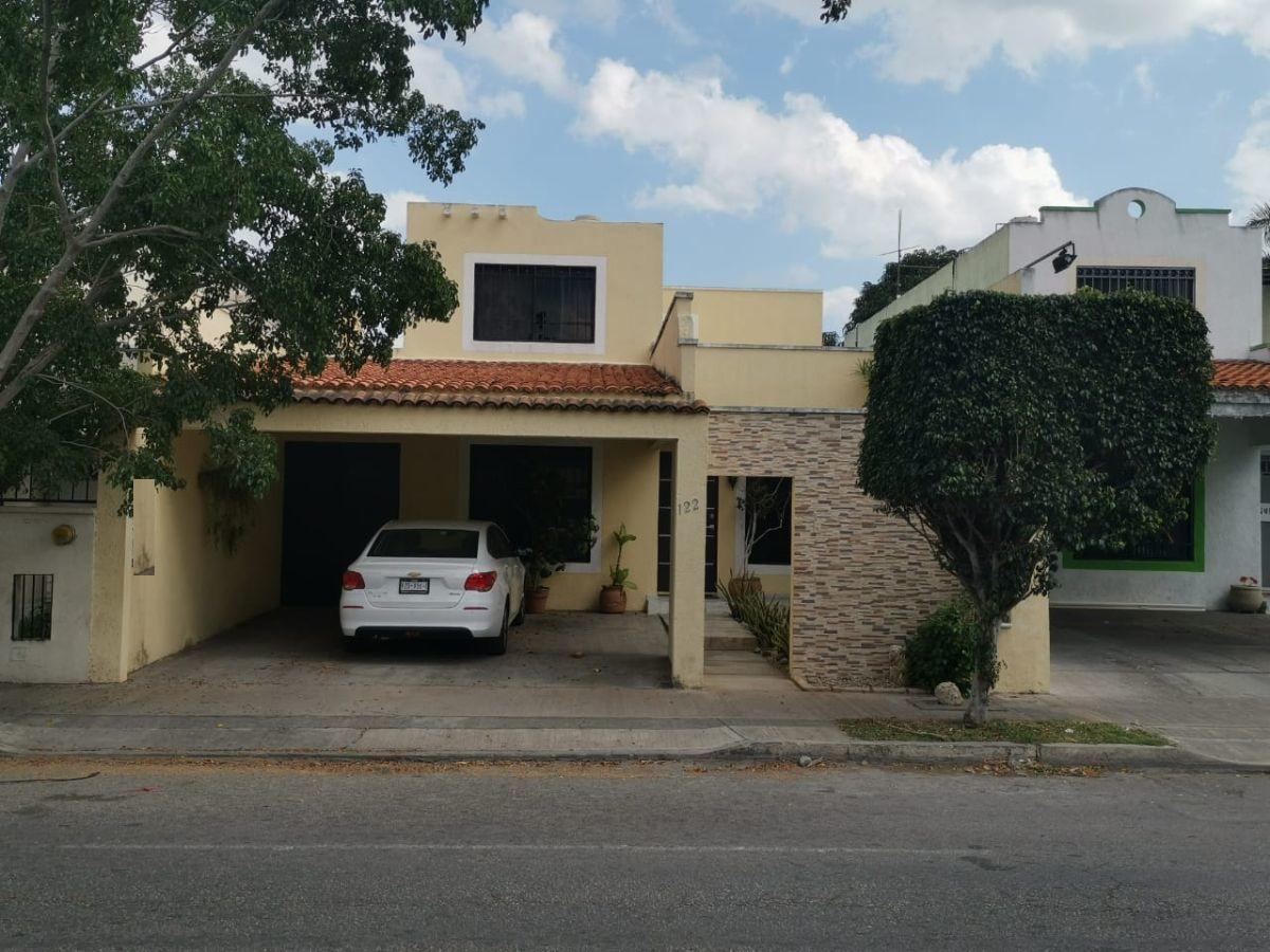 Foto Casa en Venta en  Francisco de Montejo,  Mérida  Casa en venta sobre avenida Comercial de fracc francisco de montejo,Zona norte ,Cerca de plaza Galerias.