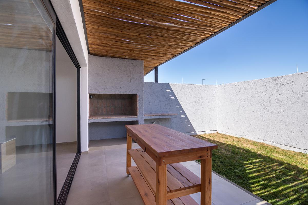 Foto Casa en Venta en  Colinas de Manantiales,  Cordoba Capital  Colina de Manantiales