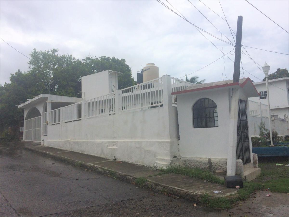 Foto Casa en Renta en  Zapote Gordo,  Tuxpan  CASA EN RENTA POR LIVERPOOL Y PLAZA CRYSTAL