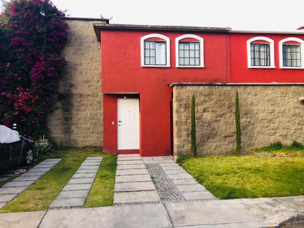 Foto Casa en condominio en Venta en  Real del Bosque,  Toluca  Chichonal