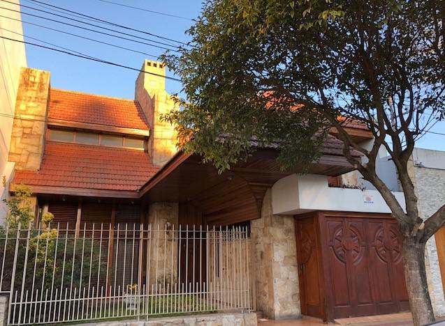Foto Casa en Venta en  La Plata ,  G.B.A. Zona Sur  66 29 y 30