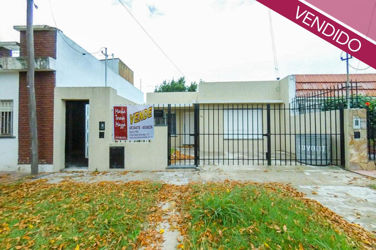 Foto Casa en Venta en  Sarmiento,  Rosario  Confederación al 900