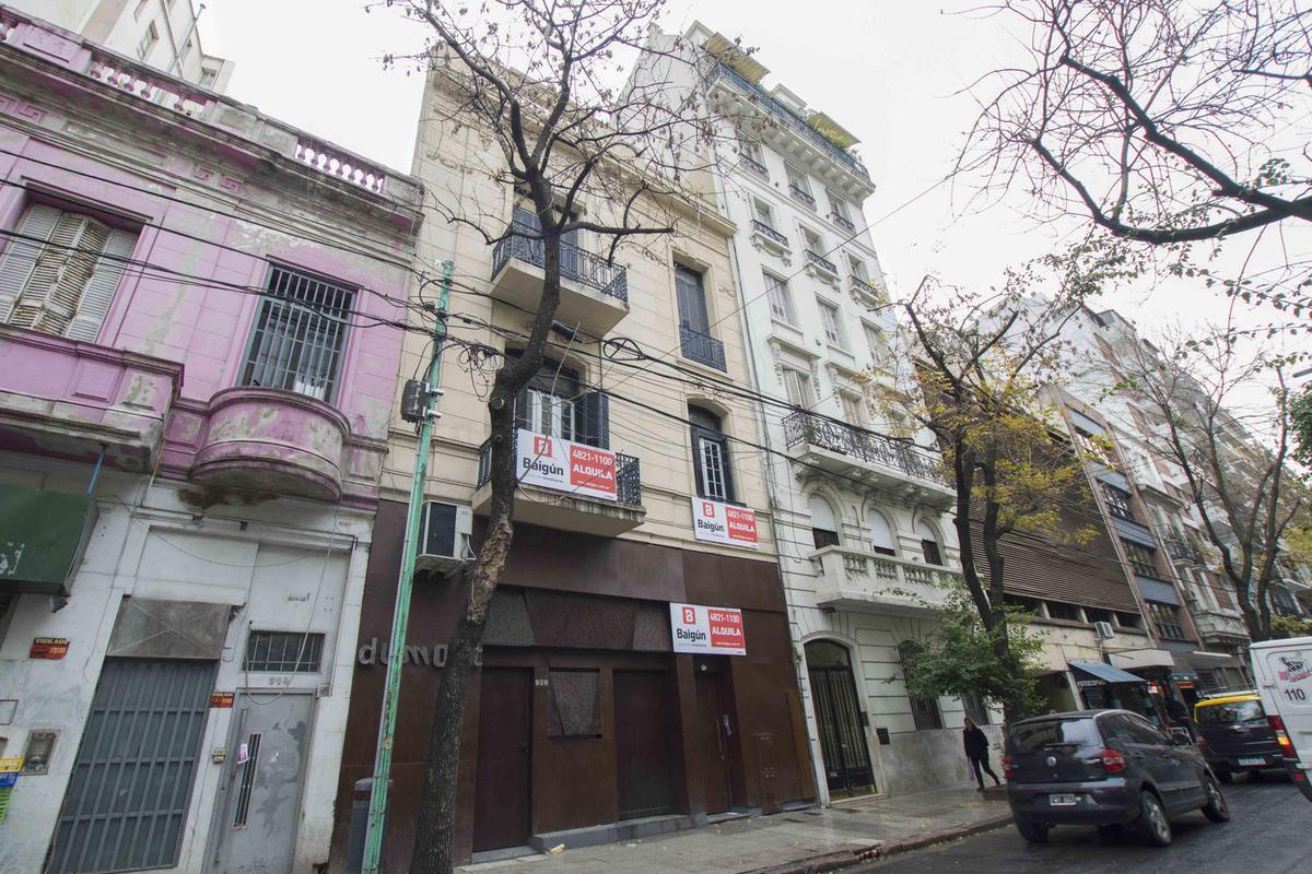 Foto Oficina en Alquiler en  Recoleta ,  Capital Federal   Ayacucho al 900