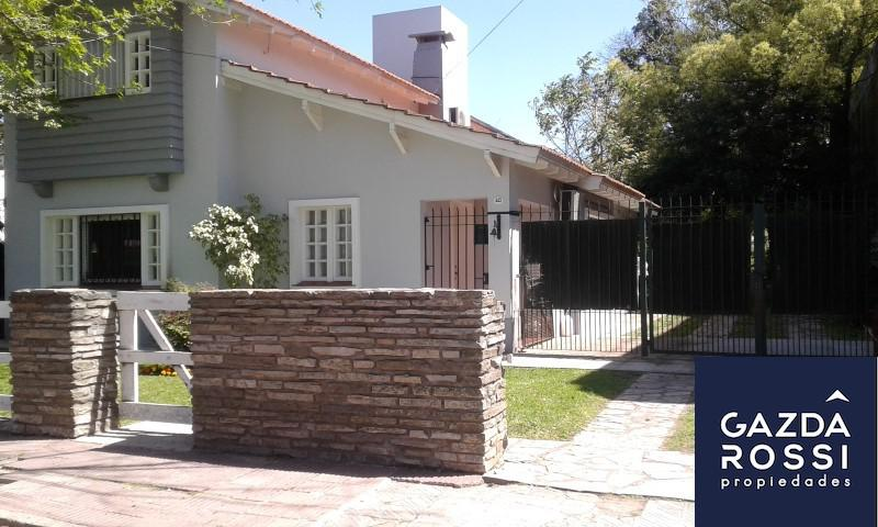 Foto Casa en Venta en  Adrogue,  Almirante Brown  JORGE 443