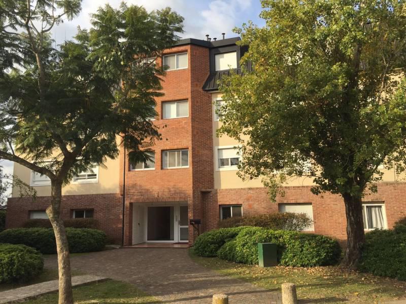 Foto Departamento en Alquiler en  Santa Maria De Tigre,  Countries/B.Cerrado (Tigre)  B° Santa María de Tigre.  Av. Santa María 6385 ,  PB