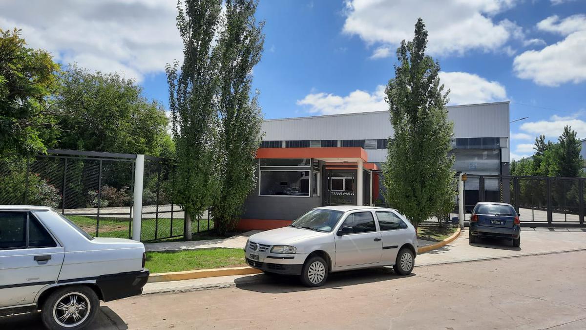 Foto Nave Industrial en Venta en  Burzaco Este,  Burzaco  HIPOLITO IRIGOYEN 16720 LOTE 10 LOTEO ANGELETTI