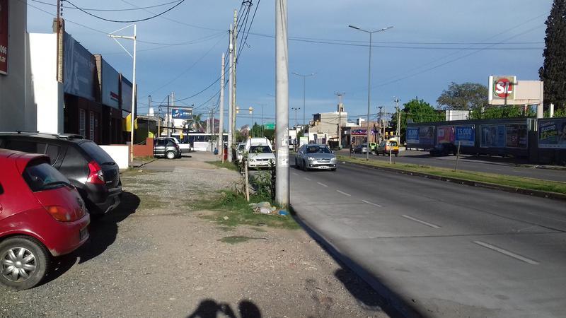 Foto Galpón en Venta | Alquiler en  Alto Alberdi,  Cordoba  Duarte Quiroz al 3400
