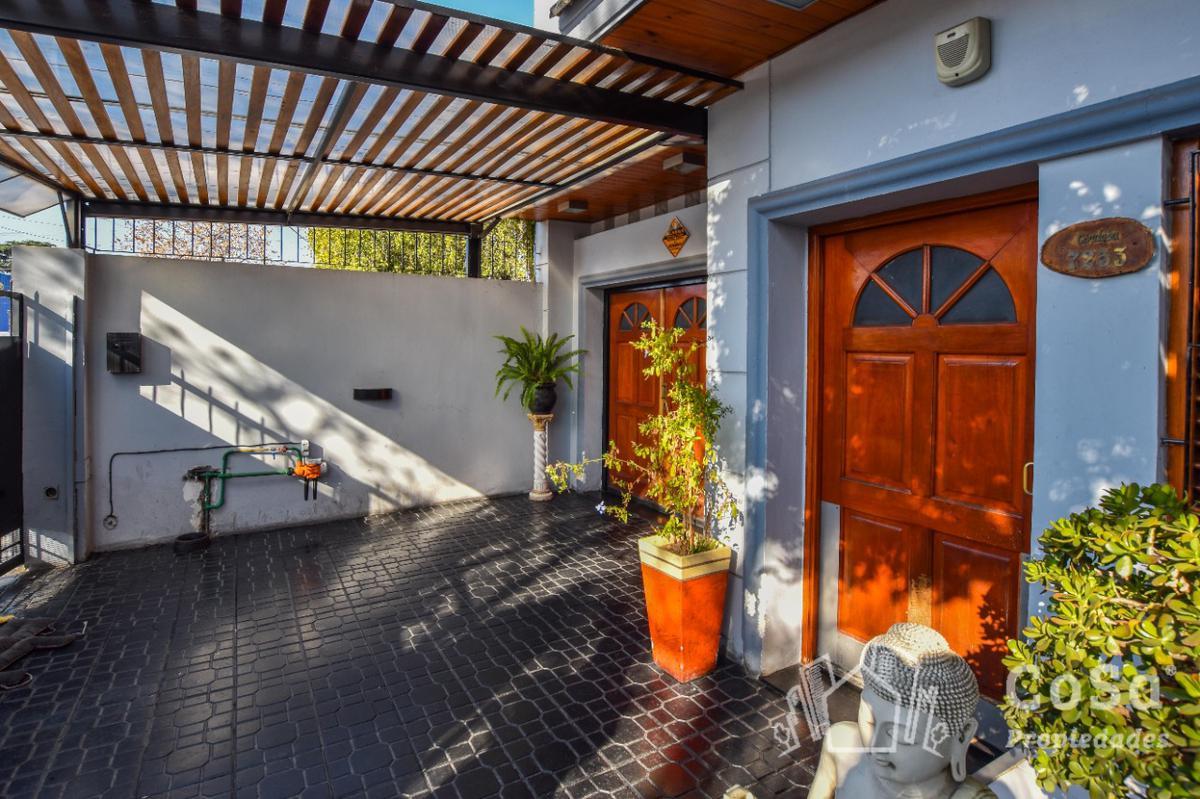 Foto Casa en Venta en  Belgrano,  Rosario  Av. Eva Perón 7200