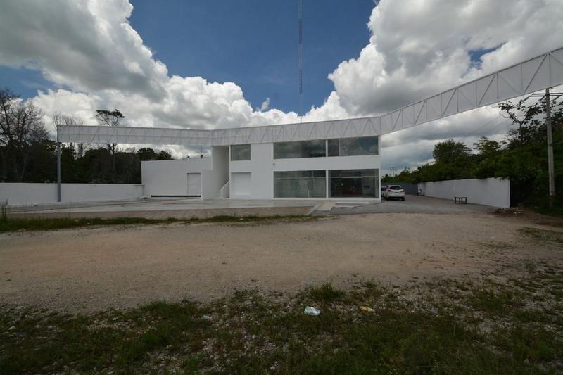 Foto Nave Industrial en Venta | Renta en  Cancún Centro,  Cancún  Nave industrial en venta o renta Av Lopez Portillo, Cancún