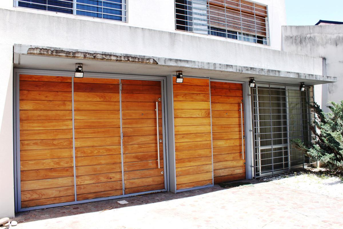 Foto Casa en Venta en  Olivos,  Vicente Lopez  Chacabuco al 2800