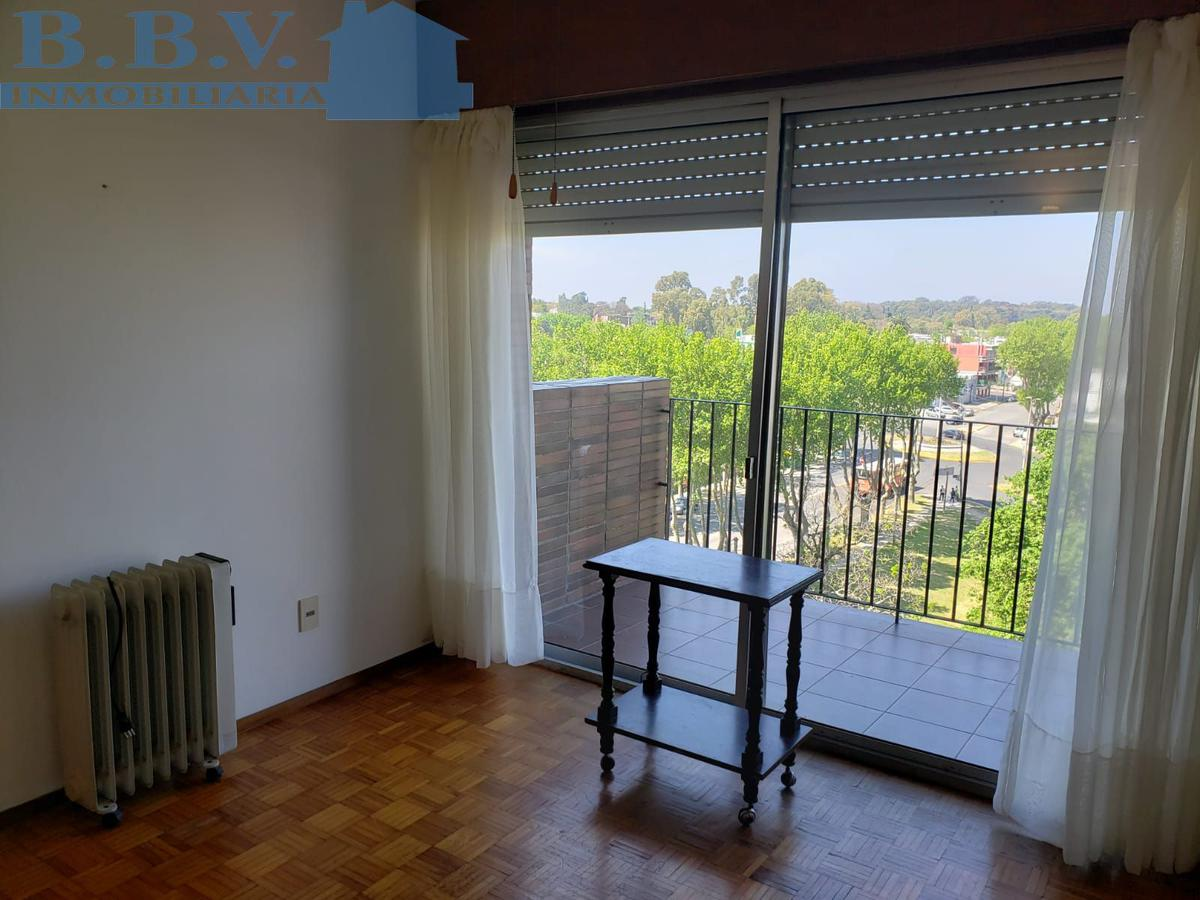 Foto Apartamento en Alquiler en  Colonia del Sacramento ,  Colonia  Aprtamento de  1 dorm en el centro. Edificio Torre Colonia