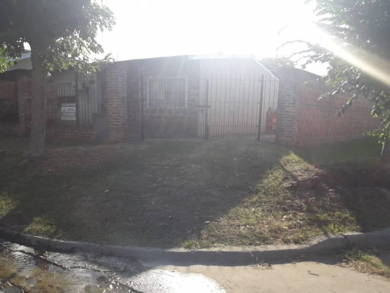 Foto Casa en Venta en  Belen De Escobar,  Escobar  Casa Corrientes  al 100