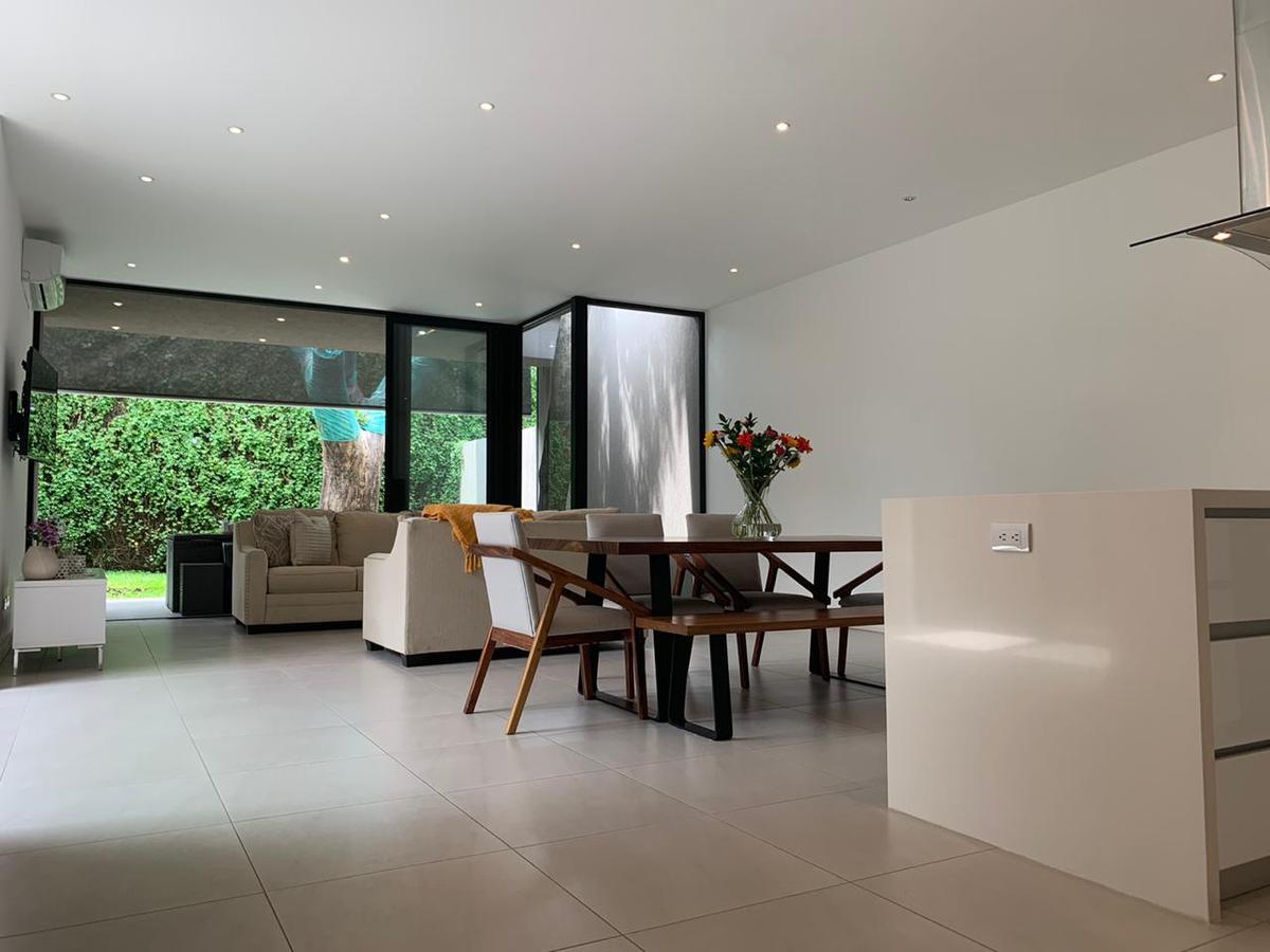 Foto Casa en condominio en Venta | Renta en  Piedades,  Santa Ana  Santa Ana/ Una Planta/ 3 habitaciones + oficina/ 3 parqueos/ Contemporánea