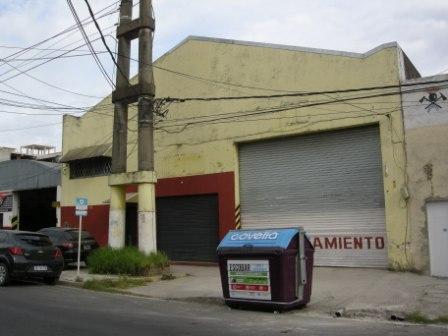 Foto Galpón en Alquiler en  Esc.-Centro,  Belen De Escobar  Estrada 835