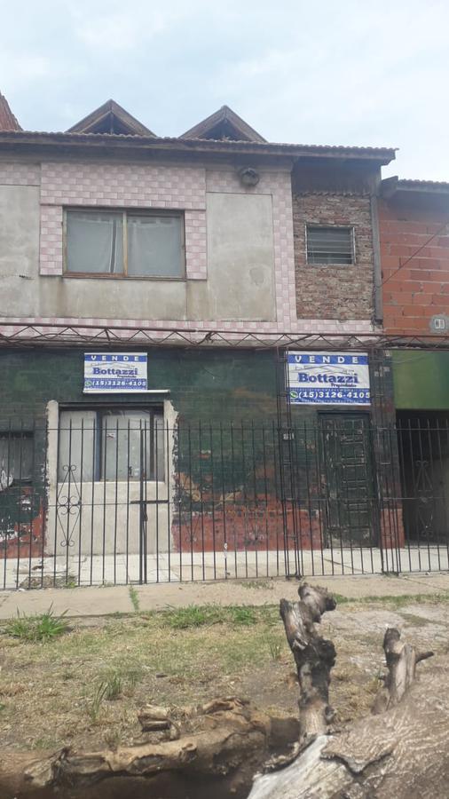 Foto Casa en Venta en  Jose Marmol,  Almirante Brown  Santiago del Estero y Bynon