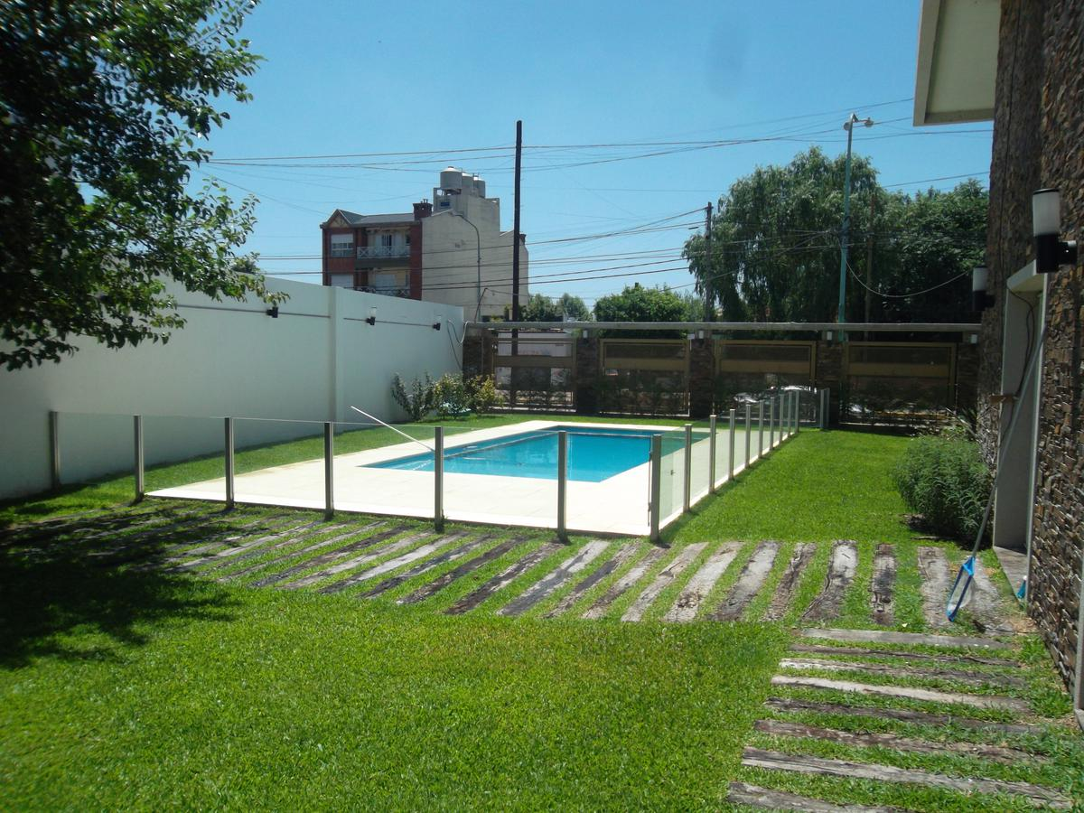 Foto Departamento en Venta en  Lomas De Zamora,  Lomas De Zamora  Alte Brown 2687
