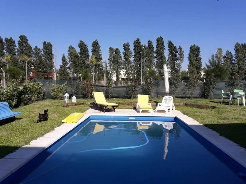 Foto Casa en Alquiler temporario en  Villanueva,  Countries/B.Cerrado (Tigre)  Av. Italia  al 100