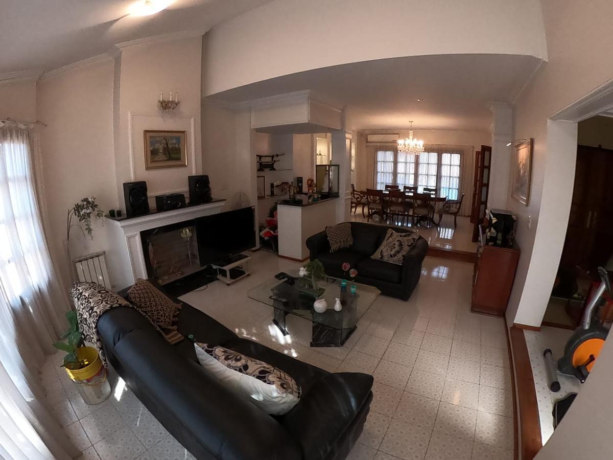 Foto Casa en Venta en  San Salvador,  Cordoba  Única * Inigualable * 4 dorm * Pileta * Quincho * San Salvador