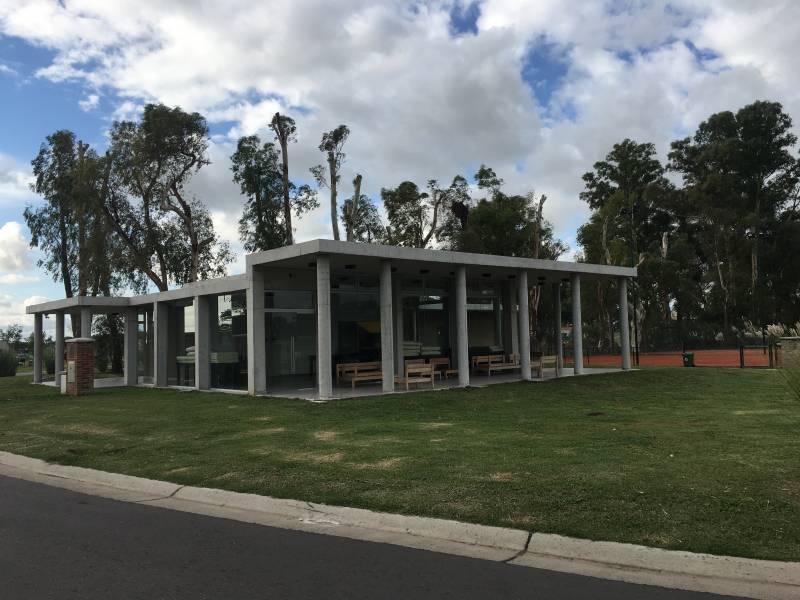 Foto Casa en Venta en  Santa Elena ,  Pilar Del Este  caamaño al 100
