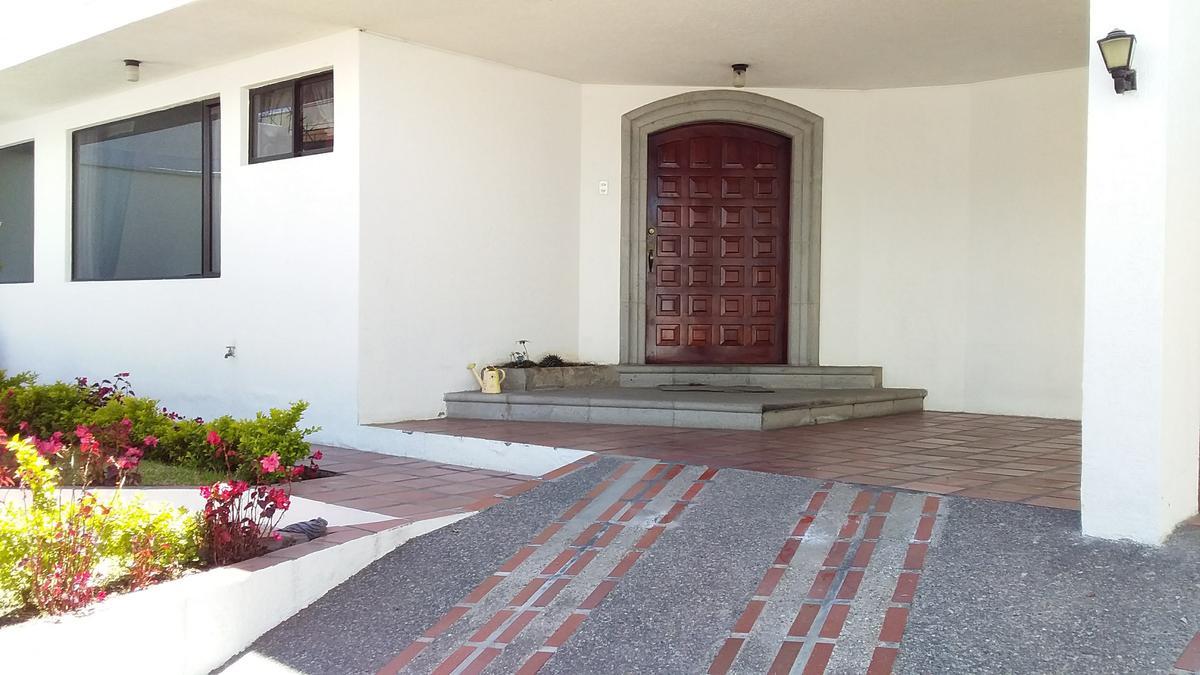 Foto Casa en Venta en  Quito ,  Pichincha  Eloy Alfaro Embajada USA