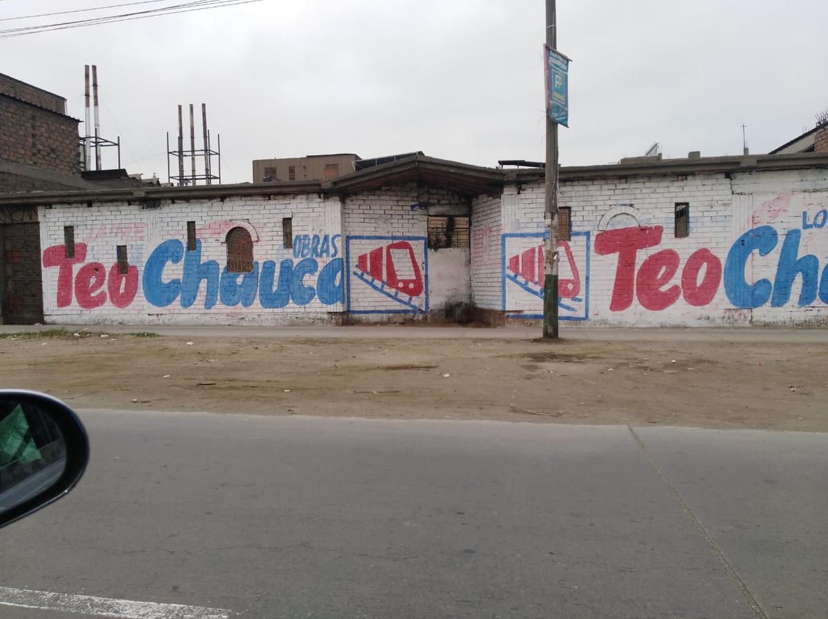 Foto Terreno en Venta en  Los Olivos,  Lima  Avenida Alfredo Mendiola Mzna C3. Urb. Industrial Infantas
