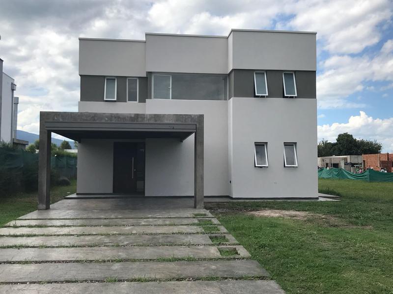 Foto Casa en Venta en  Yerba Buena ,  Tucumán  Country en Yerba Buena, Divisadero Country