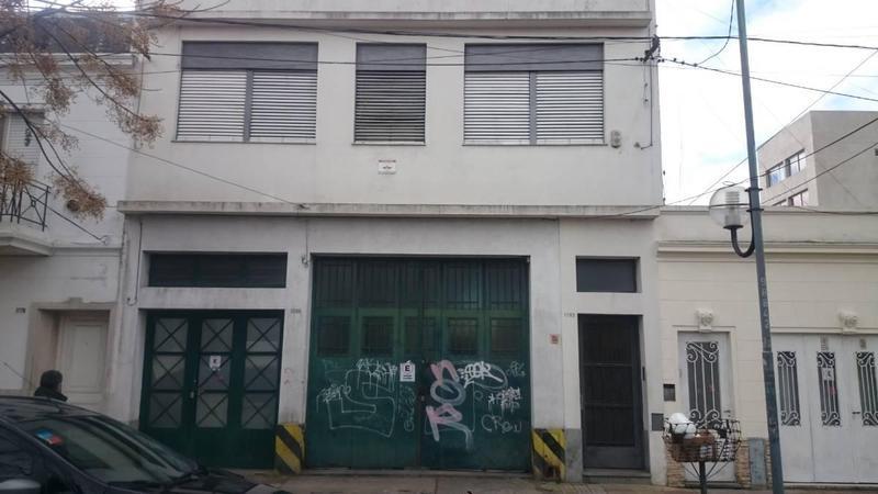 Foto Galpón en Venta en  La Plata,  La Plata  2 e/68y69